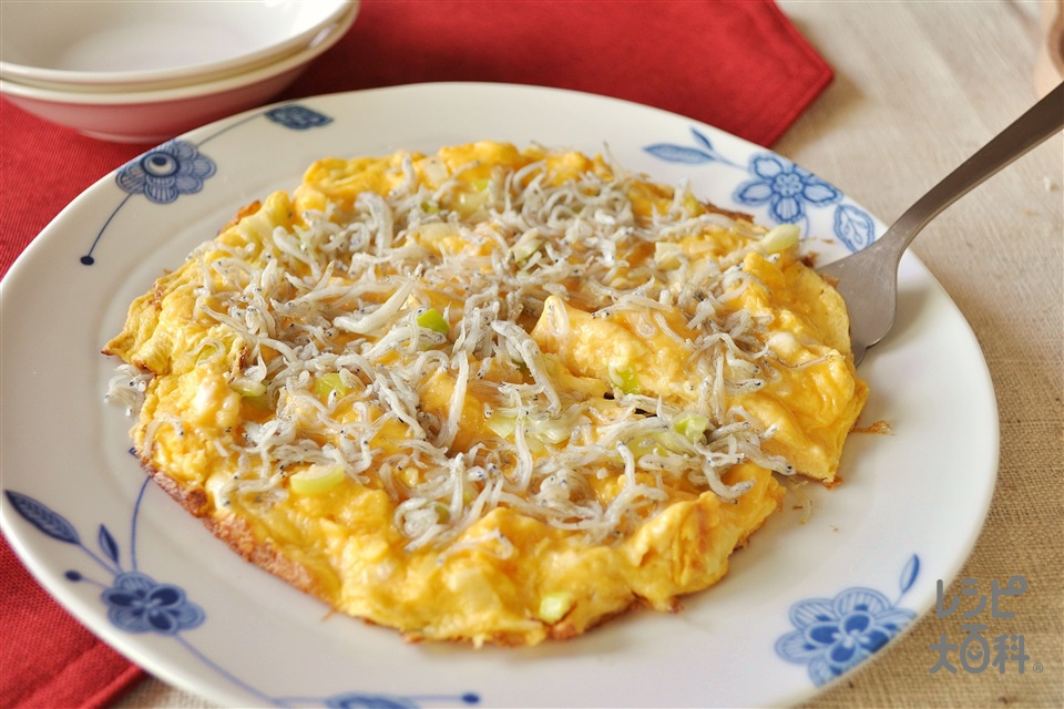 じゃこ入りマヨ卵焼き(卵+ちりめんじゃこを使ったレシピ)
