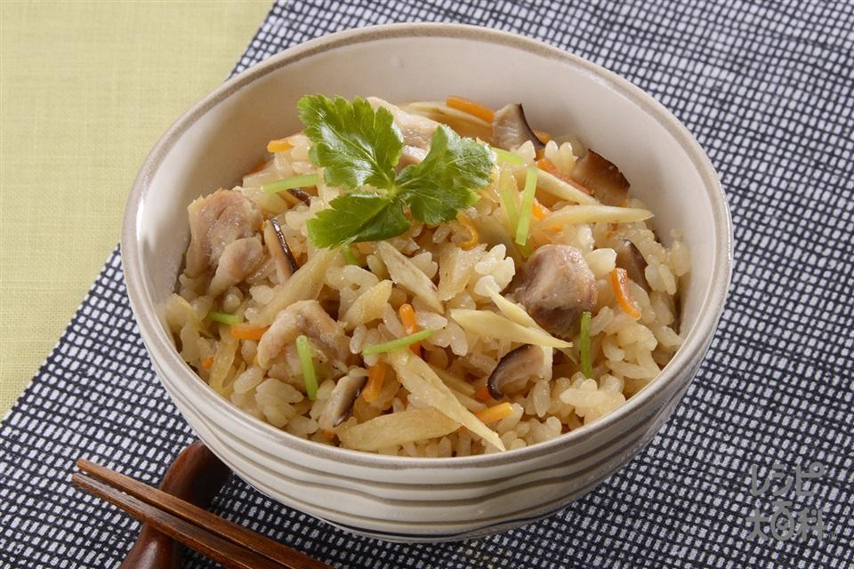 鶏肉とごぼうのだし炊きご飯(米+鶏もも肉を使ったレシピ)