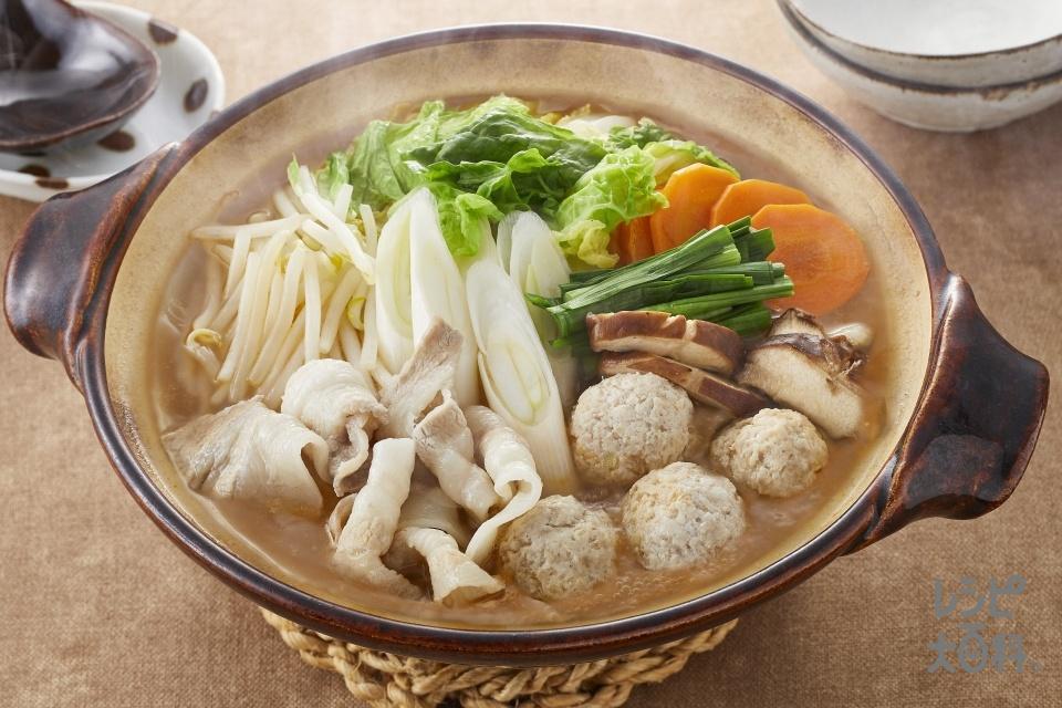 とんこつ味噌鍋(豚バラ薄切り肉+白菜を使ったレシピ)
