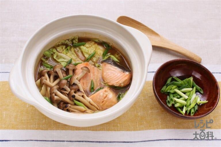 サケと白菜の味噌鍋