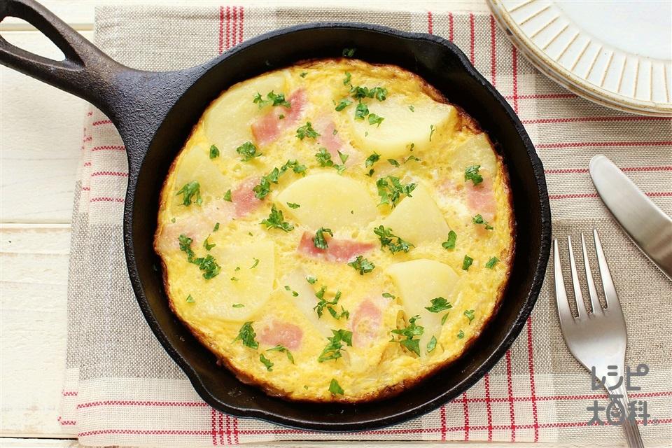 スキレットでスパニッシュオムレツ(じゃがいも+溶き卵を使ったレシピ)