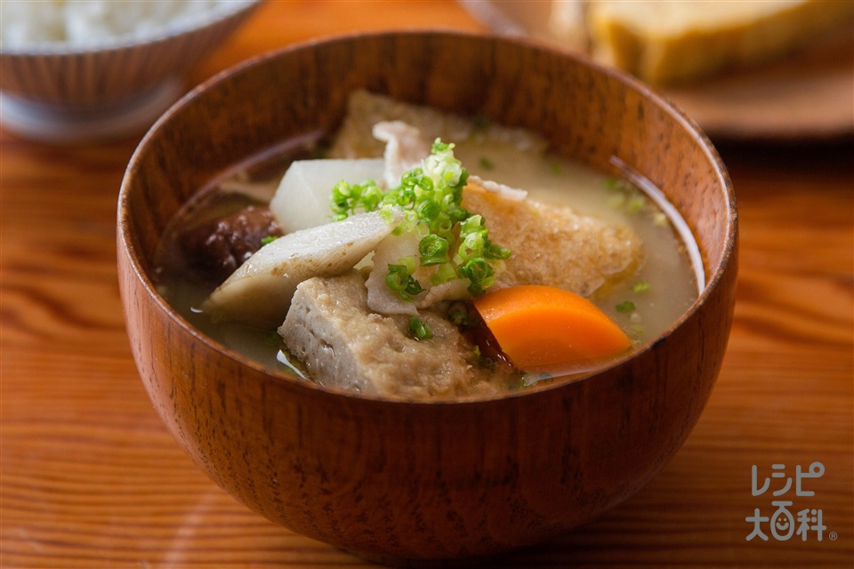 大根とじゃこてんの麦味噌けんちん汁(ごぼう+豚バラ薄切り肉を使ったレシピ)