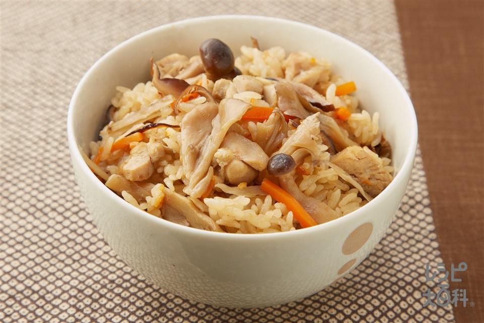 旬のきのこがたっぷり!博多地鶏とごぼうのだし炊きご飯(米+鶏もも肉を使ったレシピ)