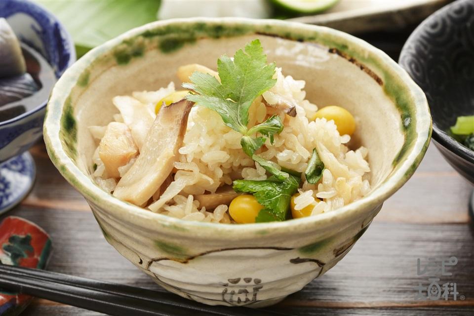 鶏肉と千切り大根のだし炊きご飯(米+鶏もも肉を使ったレシピ)