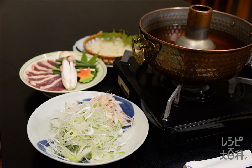 赤ネギと合鴨のしゃぶ鍋(ねぎ+合鴨ロース肉を使ったレシピ)