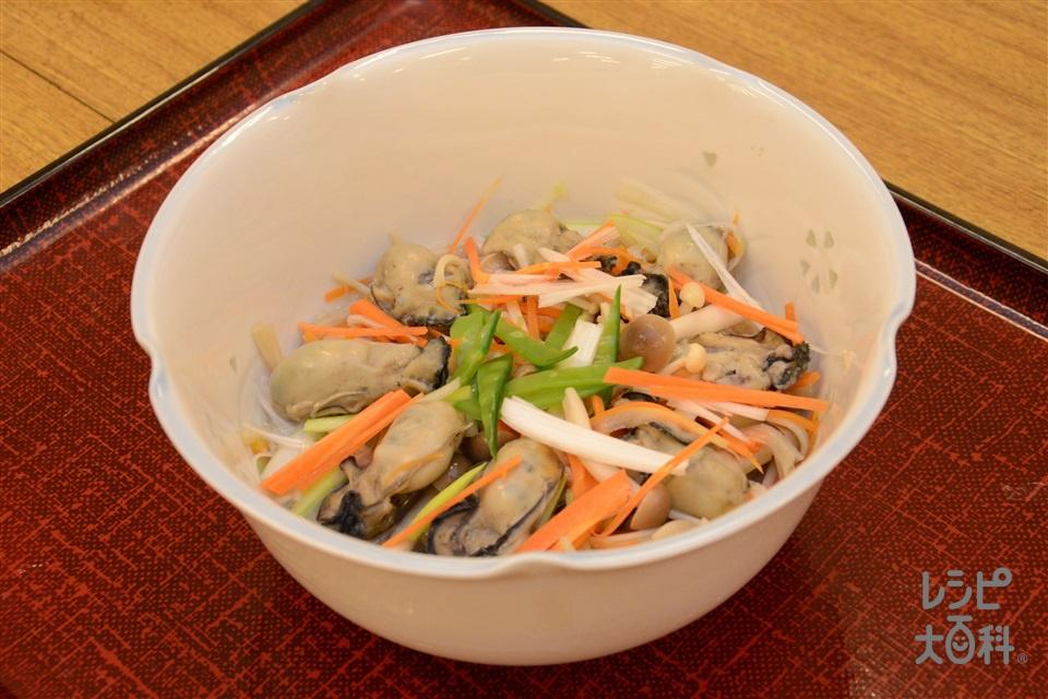 蒸し牡蠣のポン酢かけ(かき(むき身)+えのきだけを使ったレシピ)