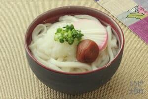 年明け丸鶏うどん(うどん+梅干しを使ったレシピ)