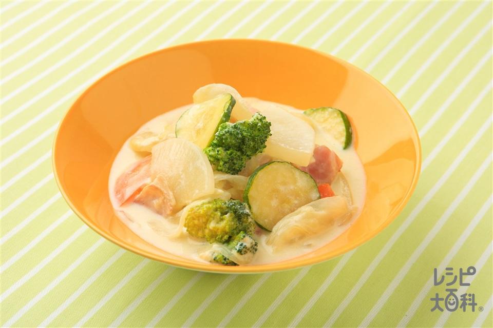 たっぷり野菜のフリカッセ風(玉ねぎ+牛乳を使ったレシピ)