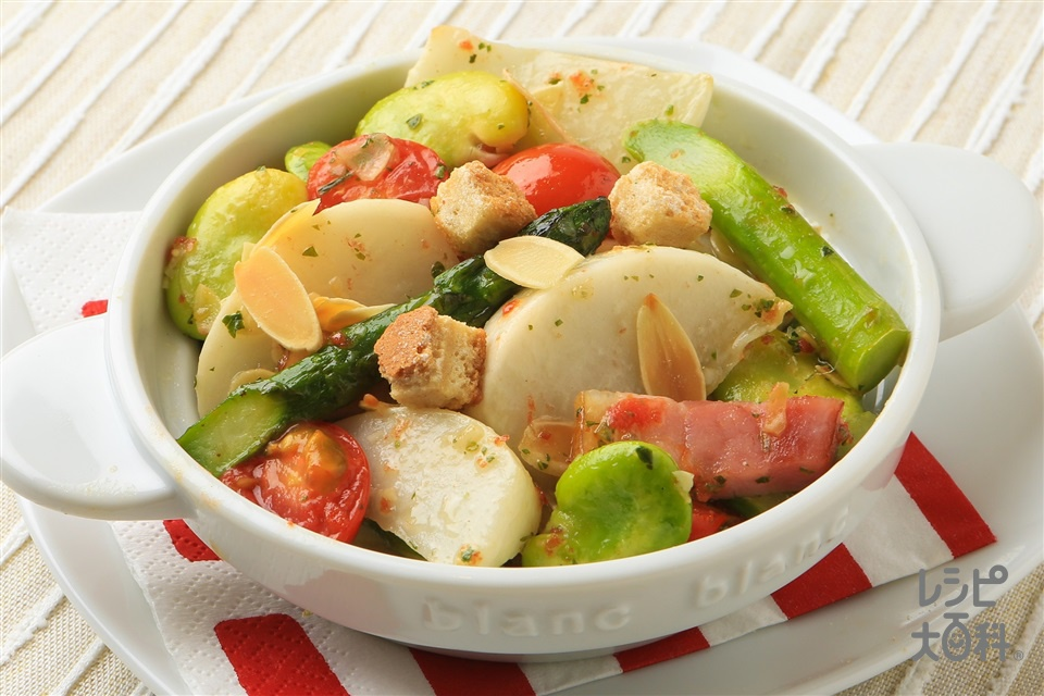 春野菜のペペロンチーノ風トスサラ(そら豆+厚切りベーコンを使ったレシピ)