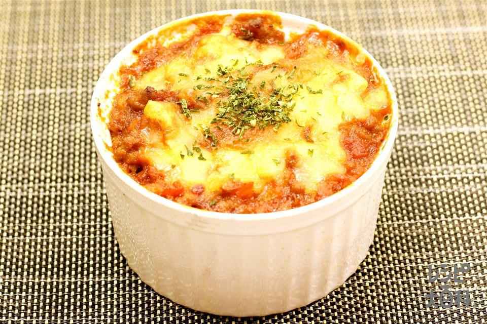 なすとミートソースのグラタン(合いびき肉+トマト水煮缶を使ったレシピ)