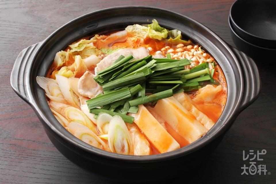 餅キムチ鍋(うま辛キムチ)(豚バラ薄切り肉+白菜を使ったレシピ)