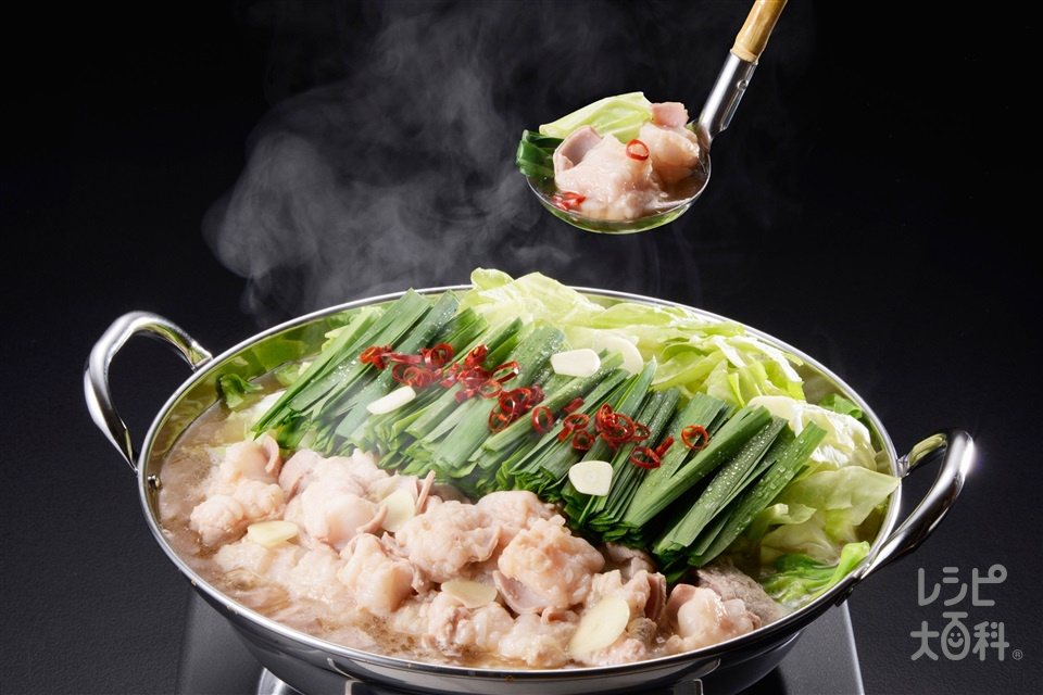 「鍋キューブ」で簡単もつ鍋(しょうゆ味)(牛モツ+キャベツを使ったレシピ)