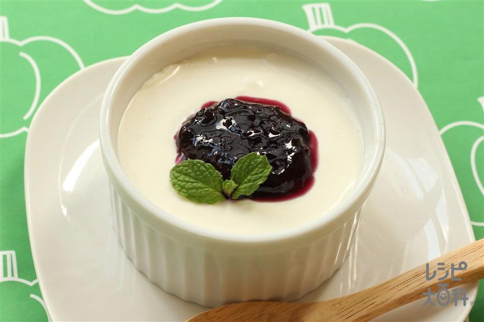 簡単チーズケーキ~ベリーソース~(クリームチーズ+プレーンヨーグルトを使ったレシピ)
