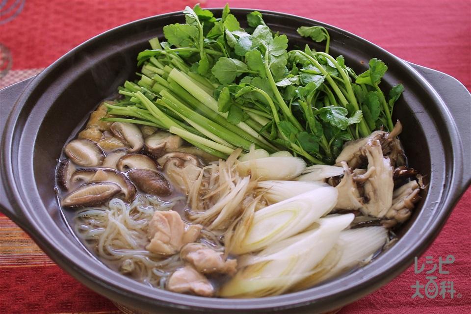 「ほんだし」せり鍋(鶏もも肉+せりを使ったレシピ)