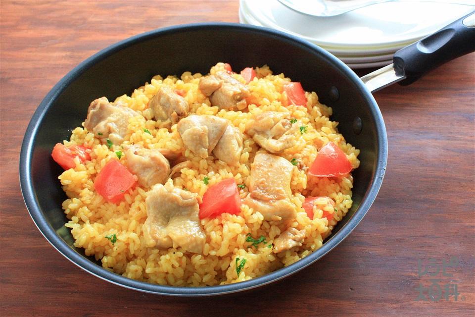 香ばしい鶏(チキン)パエリア(無洗米+鶏もも肉を使ったレシピ)