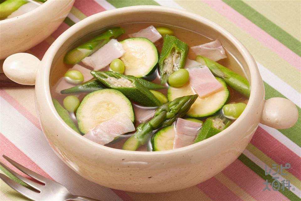 ズッキーニとベーコンの緑のスープ野菜(ズッキーニ+グリーンアスパラガスを使ったレシピ)