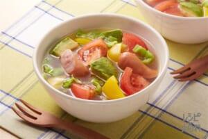 アボカドとトマトのスープ野菜