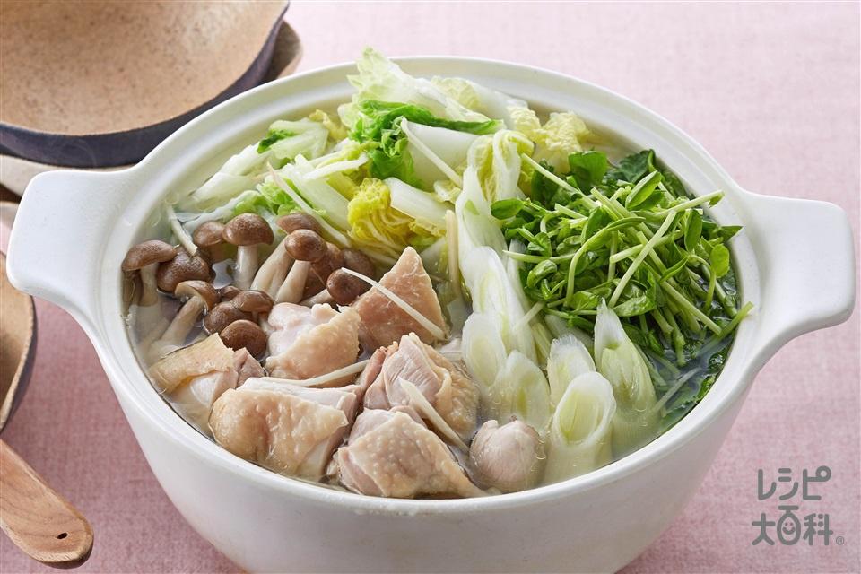 鶏肉と豆苗の鶏だし鍋(鶏もも肉+白菜を使ったレシピ)