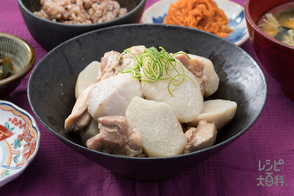 八幡芋と甲州地鶏の煮物(里いも+鶏もも肉を使ったレシピ)