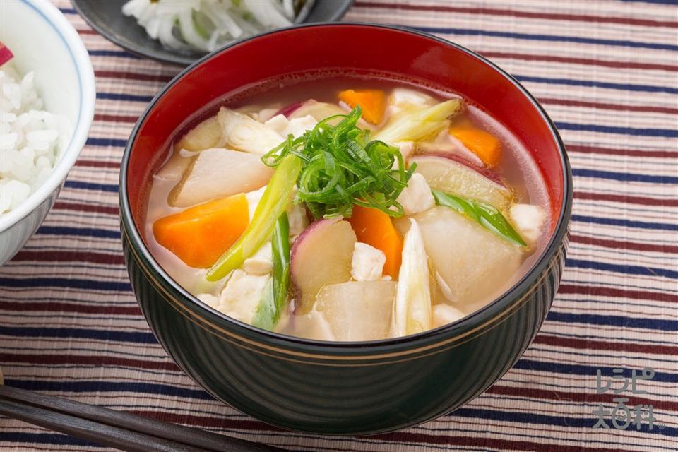 大根とおいものはんなりけんちん汁(絹ごし豆腐+さつまいもを使ったレシピ)