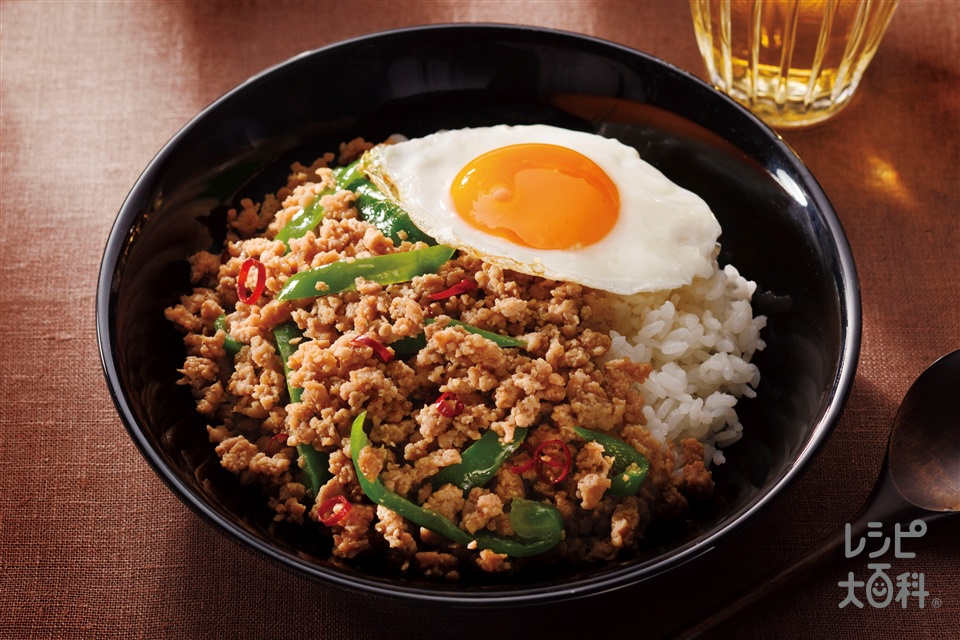 カンタン!ガパオライス(鶏ひき肉+ピーマンを使ったレシピ)