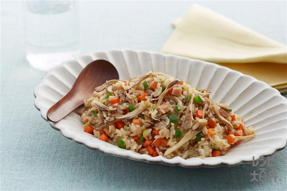 まいたけ入り五目炒飯(ご飯+薄切りハムを使ったレシピ)