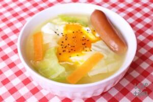 落とし卵のレンチンコンソメスープ