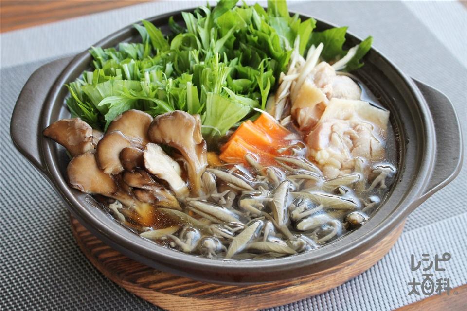 じゅんさい鍋(鶏もも肉+水菜を使ったレシピ)