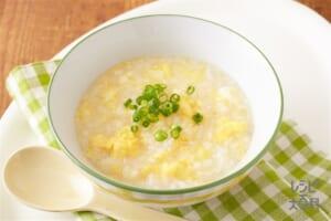 鶏だし卵おかゆ(包装米飯使用)