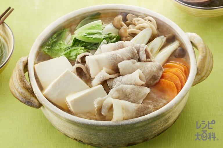 豚肉で作る「コクうま野菜だし鍋」