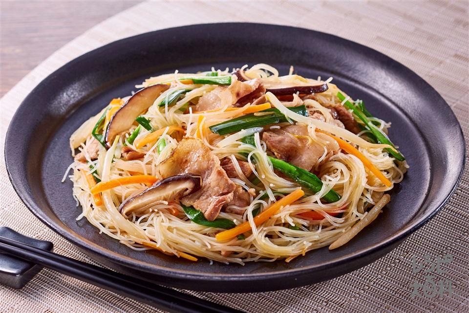 野菜だし焼きビーフン(豚こま切れ肉+もやしを使ったレシピ)