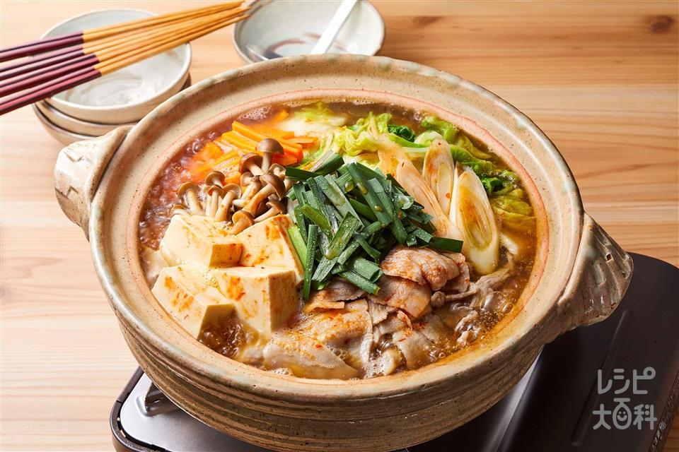 ピリ辛野菜だし鍋(豚バラ薄切り肉+白菜を使ったレシピ)
