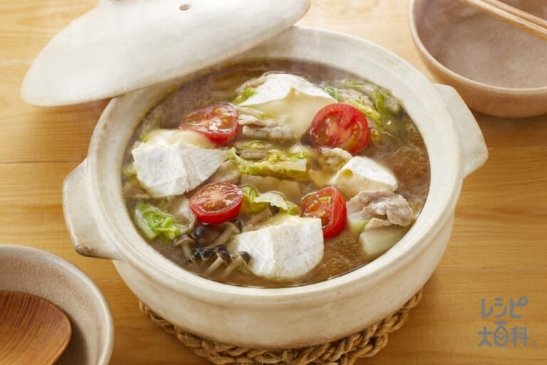 「野菜だしで作る!」豚バラと白菜の重ねチーズ鍋