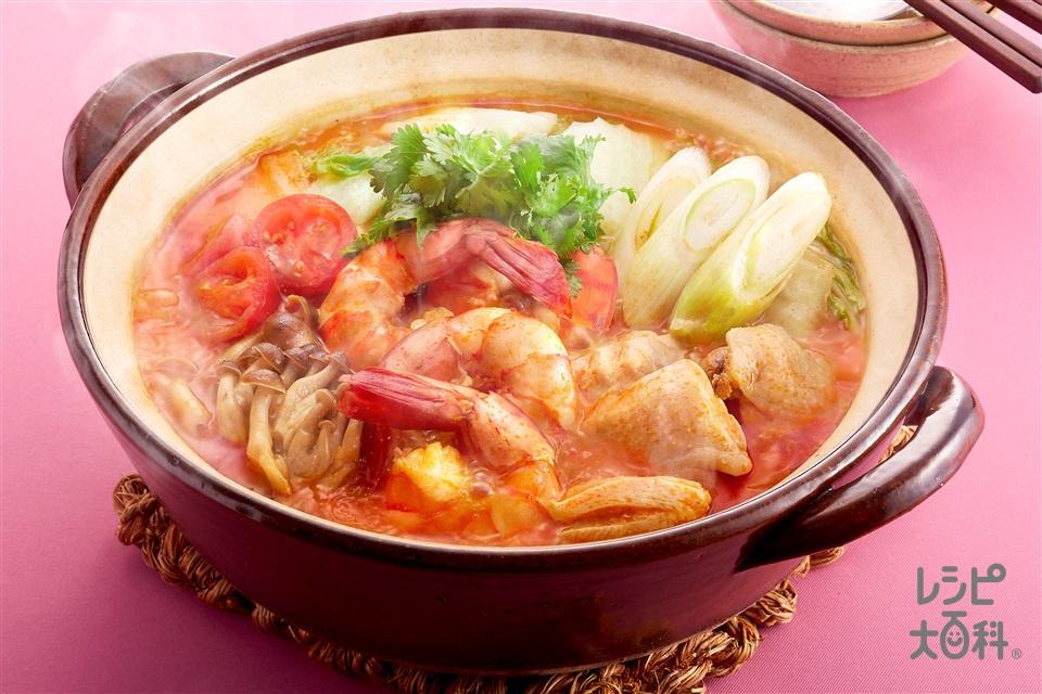 トムヤム鍋(鶏もも肉+白菜を使ったレシピ)