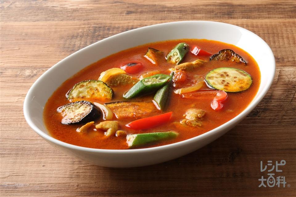 夏野菜の中華風スープカレー(鶏もも肉+A「ピュアセレクト コクうま 65%カロリーカット」を使ったレシピ)