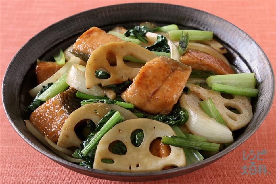 鮭と小松菜のオイバタ炒め(生ざけ+「瀬戸のほんじお」を使ったレシピ)