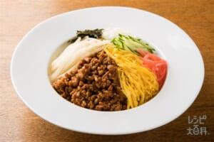 きのこ入り肉みそのジャージャー麺
