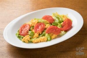 トマトとレタスのふわふわ玉子炒め