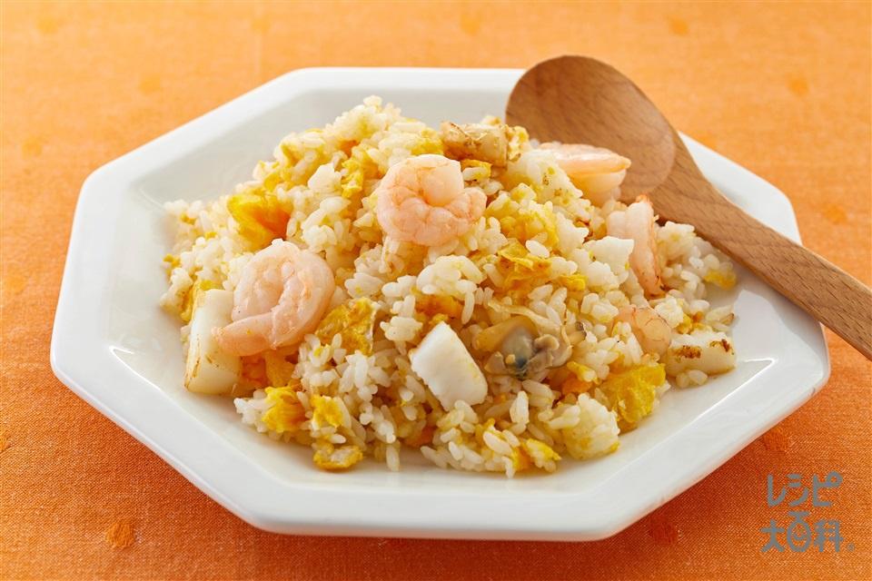 帆立だしの海鮮チャーハン(ご飯+卵を使ったレシピ)