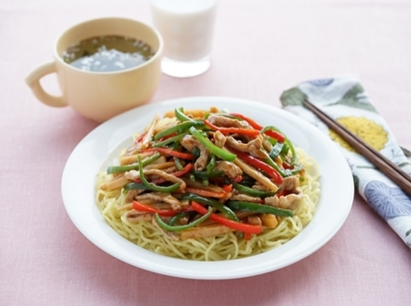 <昼食>豚肉でつくる!青椒肉絲麺献立
