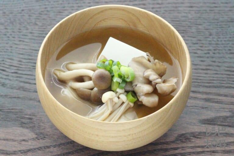 豆腐と3種のきのこの味噌汁