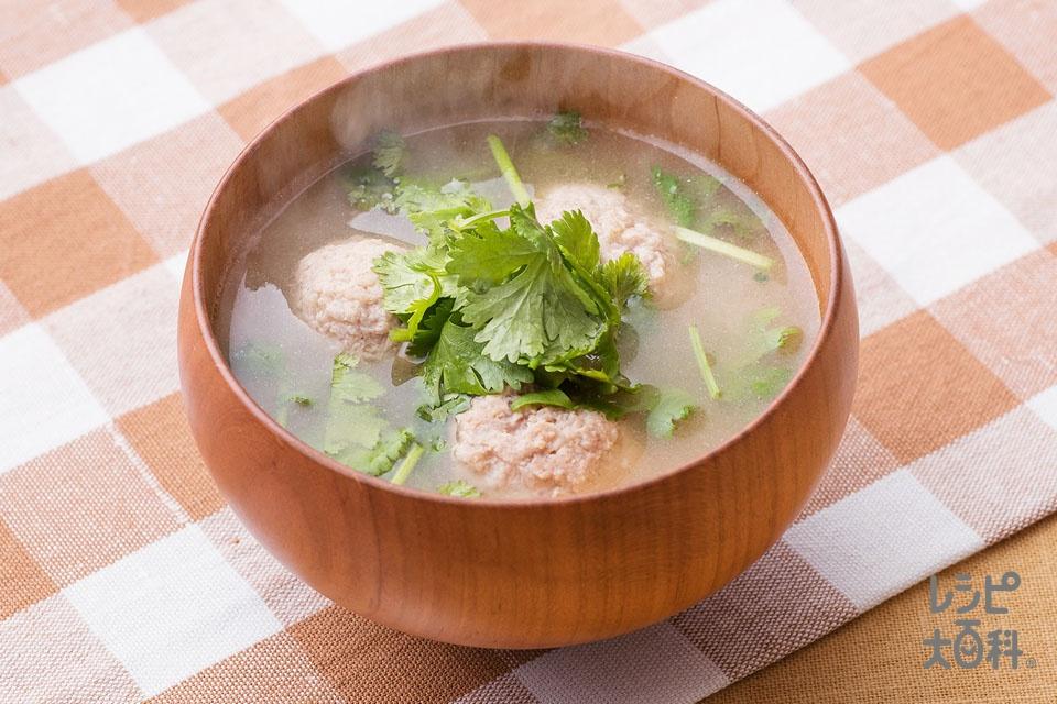 パクチーと豚肉団子のみそ汁(豚ひき肉+パクチーを使ったレシピ)
