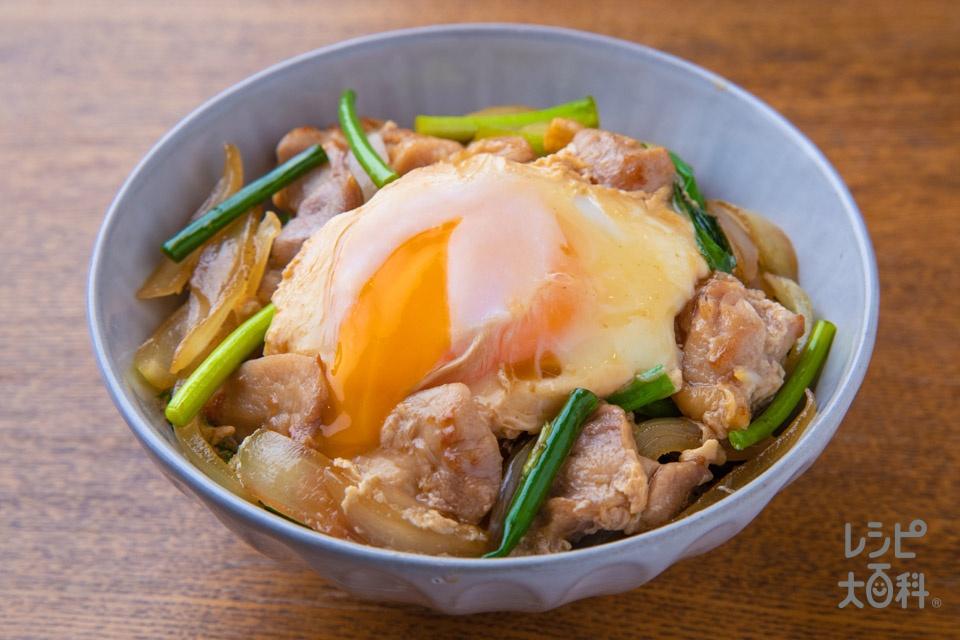 簡単!贅沢親子丼(鶏もも肉+卵を使ったレシピ)