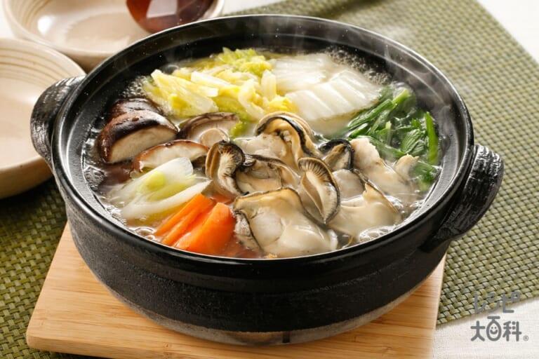 牡蠣で贅沢!めちゃうま白菜鶏がら鍋