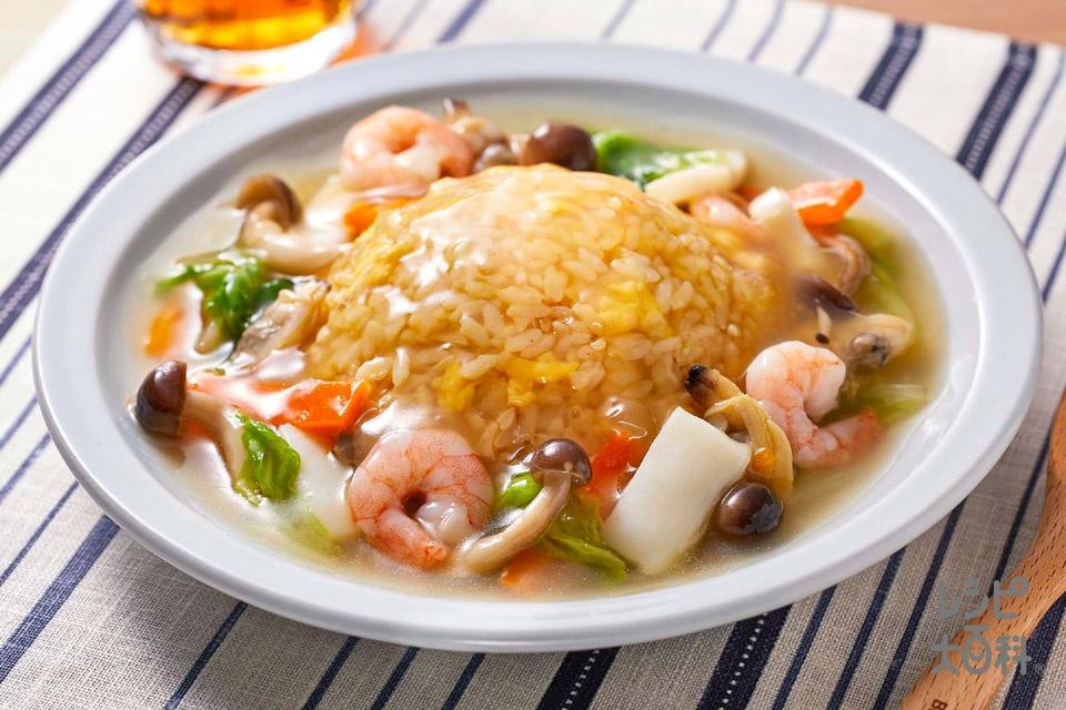 海鮮だしのあんかけ炒飯(温かいご飯+溶き卵を使ったレシピ)