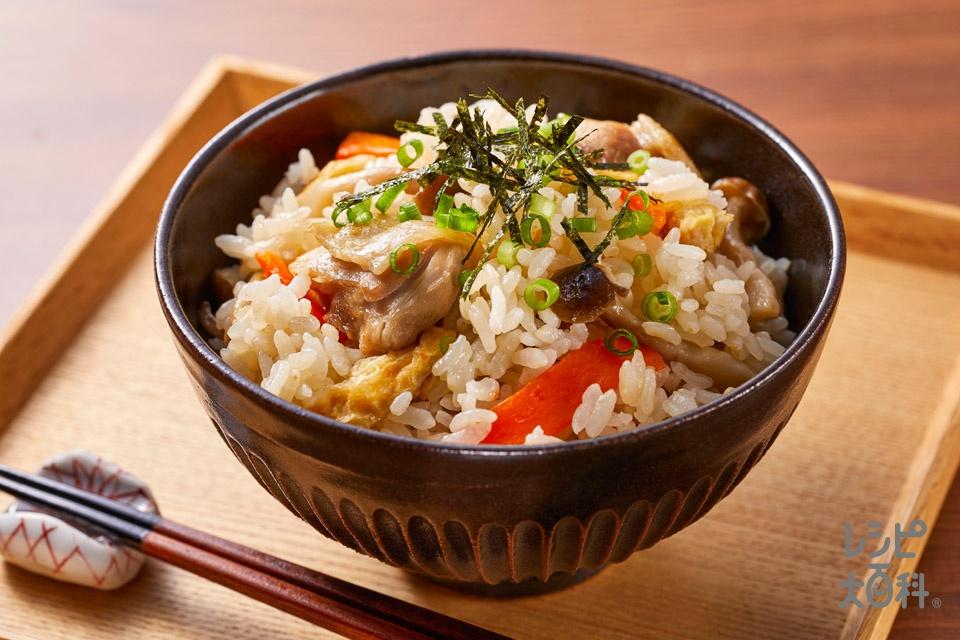海鮮だしの炊き込みご飯(米+鶏もも肉を使ったレシピ)