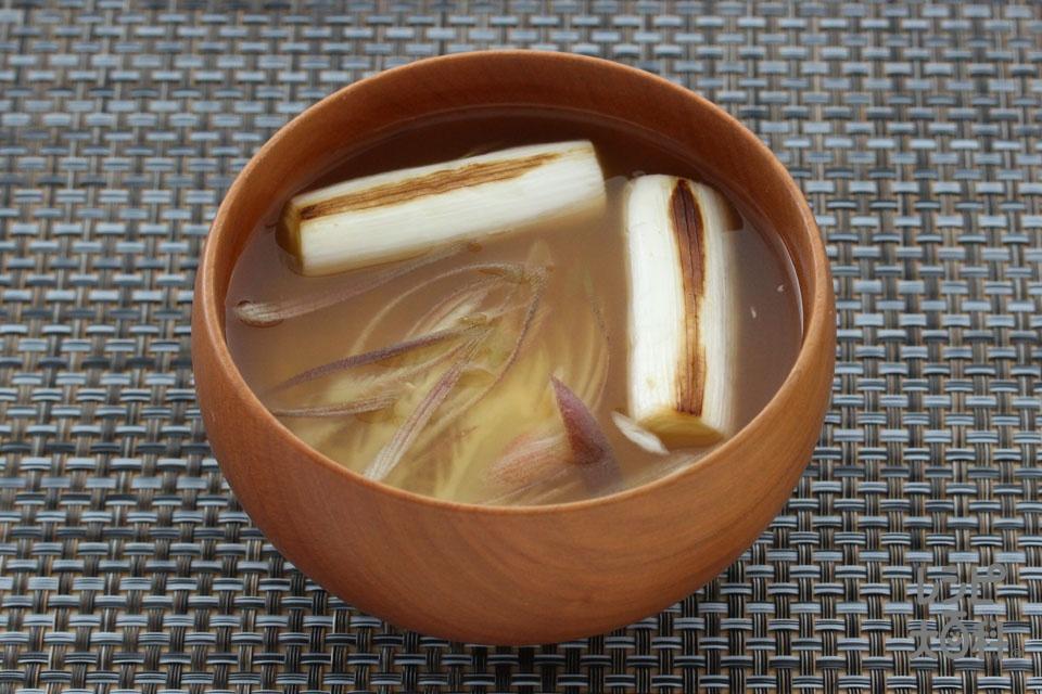 焼きねぎとみょうがのみそ汁(長ねぎ+みょうがを使ったレシピ)