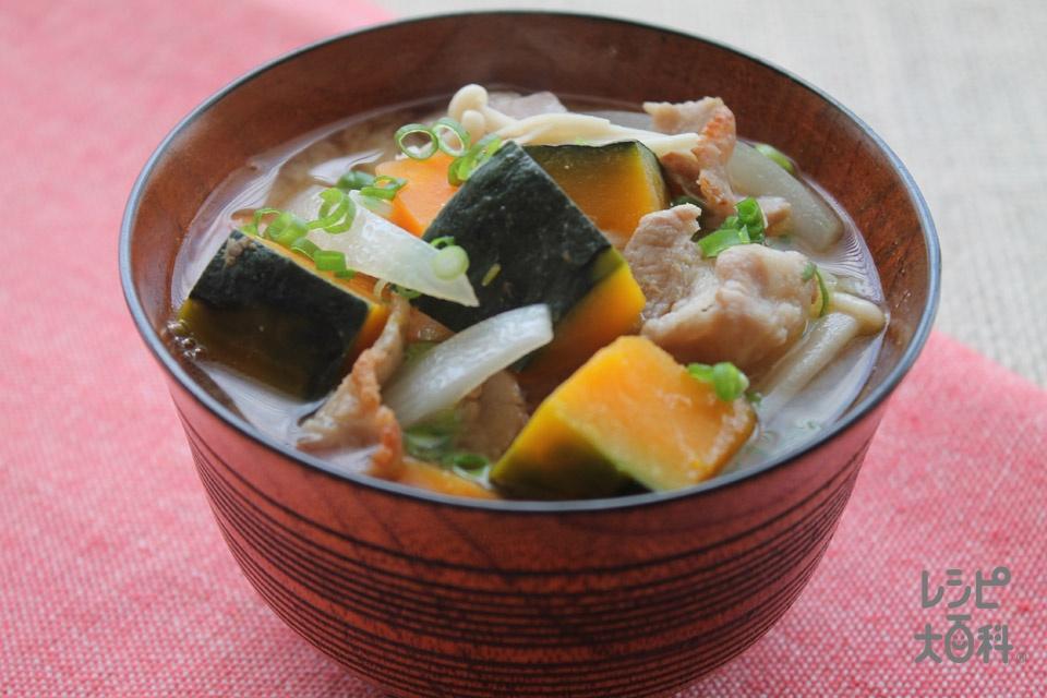 かぼちゃと玉ねぎのみそ汁(豚バラ薄切り肉+かぼちゃを使ったレシピ)