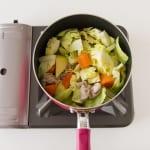 たっぷり野菜の簡単コンソメ煮の作り方_1_0