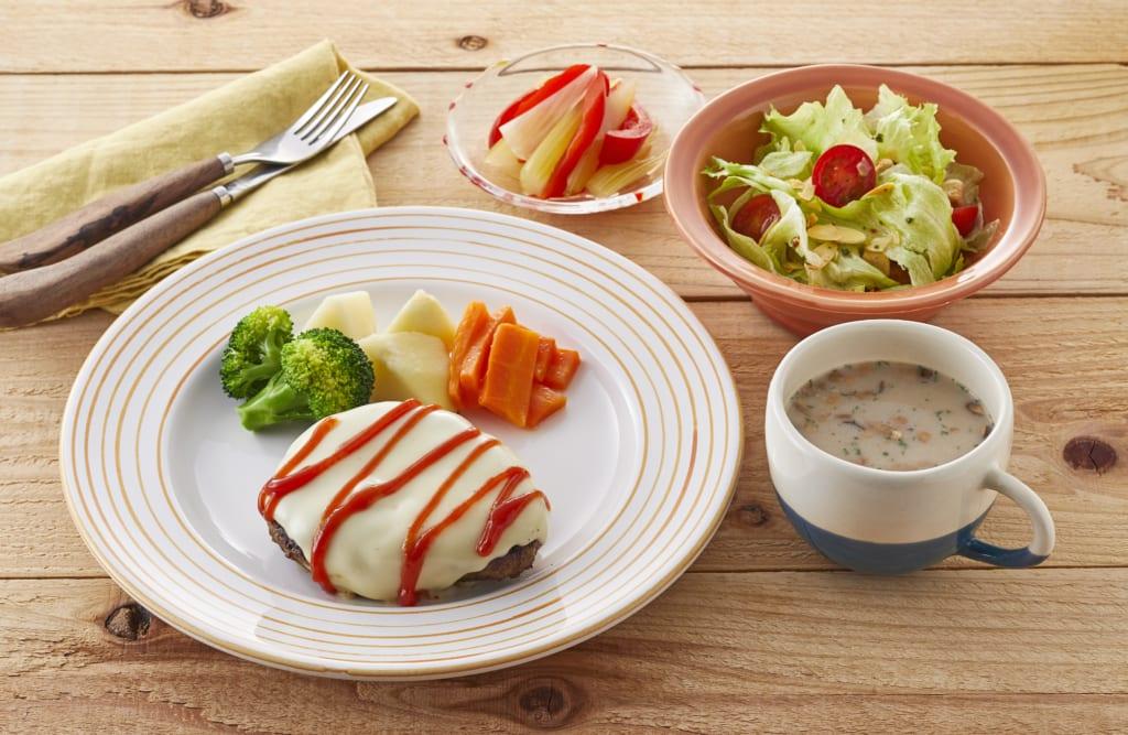 【夕食】ビッグチーズハンバーグ献立